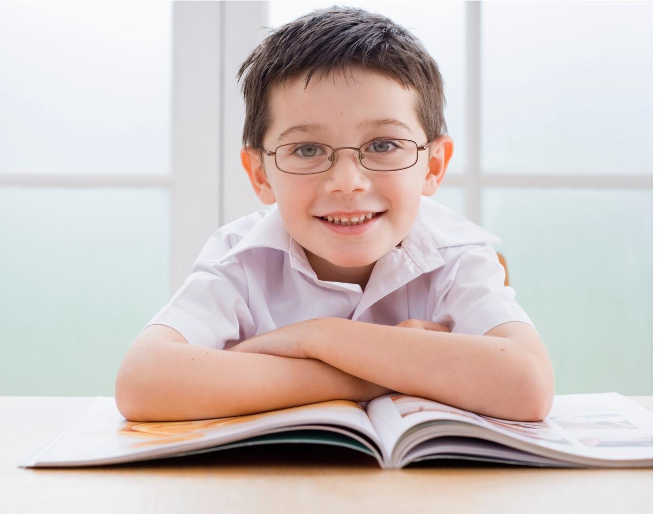 dreng med bog